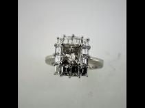 PTダイヤモンド(中石1.105ct脇石1.53ct)リング