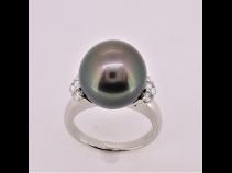PT南洋タヒチ真珠(12.6mm)ダイヤモンド(0.32ct)リング
