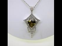 Ptスフェーン(6.33ct)ダイヤモンド(1.20ct)ペンダントネックレス