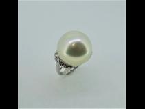 PT南洋白蝶真珠(16.7mm)ダイヤモンド(0.63ct)リング